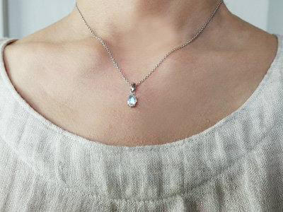 royal-bluemoonstone-pendant-2